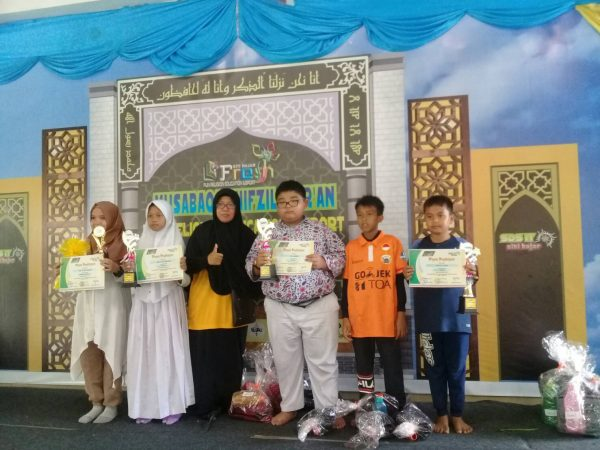 Prestasi Siswa/I SDS Namira Dalam Perlombaan Mewarnai Dan Science & Math Competition Di Sekolah Siti Hajar Medan 2019