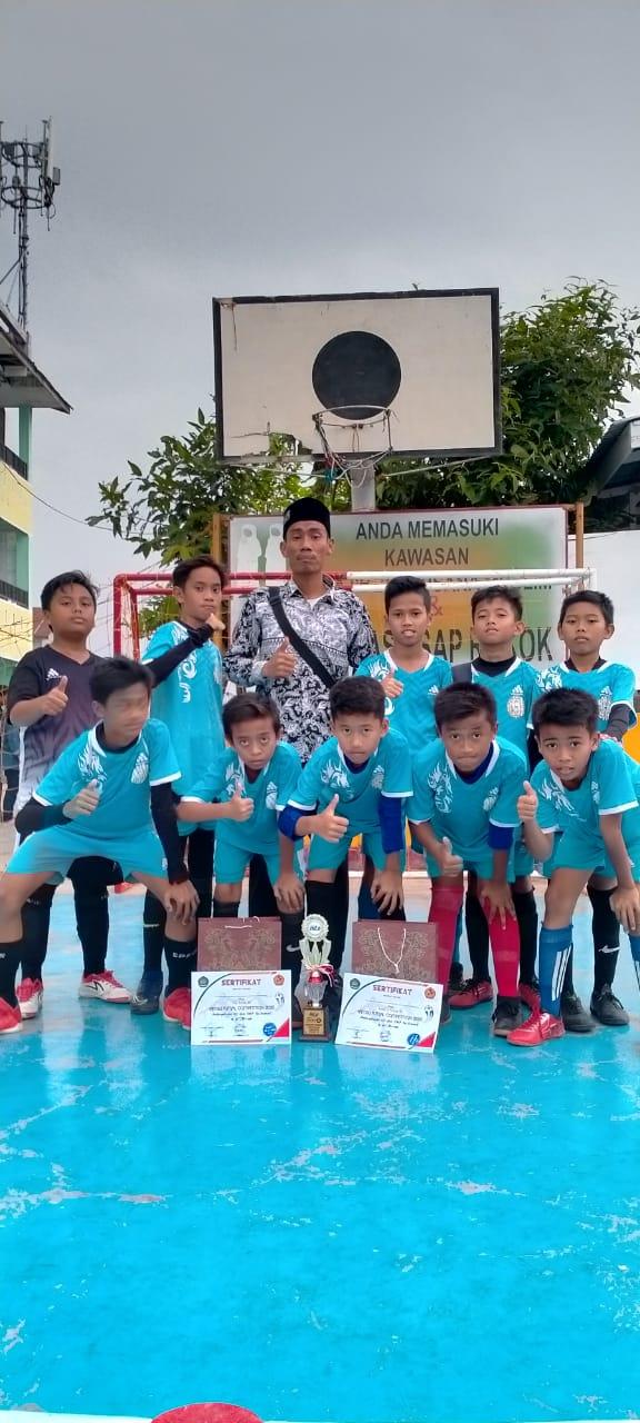 Alhamdulillah Tim Futsal SDS Namira meraih juara 3 dalam perlombaan futsal di Sekolah Yayasan Mujadillah Medan