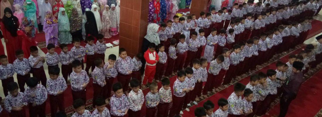 KEGIATAN RUTIN PEMBELAJARAN TAHFIZ DAN SHOLAT DHUHA SISWA/I SDS NAMIRA DIPAGI HARI TAHUN AJARAN 2019/2020